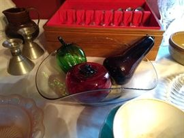 Glass Bowl & Fruit