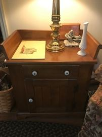 This is part of a set.. there is this pieces, then 2 matching end tables (1 in living room & 1 in bedroom) and the coffee table... asking $125 for all