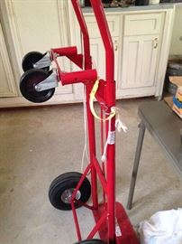 Built-to-last, heavy-duty hand truck and dolly