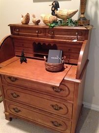 Roll top desk with lower drawer space and more upper area for organizing