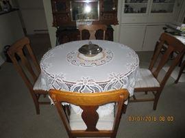 Oak Tabke & Chairs