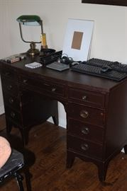 Knee hole writing desk, Dixie.