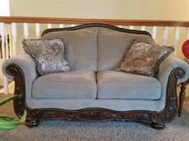 A closer look at the loveseat