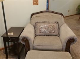 A closer look at the chair and ottoman.  The small end table is one of three matching ones.