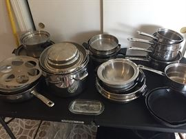Great condition pots and lids