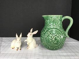 Green Rabbit Pitcher & 2 Bunnies             https://ctbids.com/#!/description/share/22271