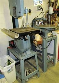 Band saw, Delta, with attachments