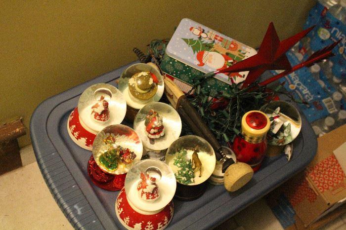 seasonal decorations Christmas