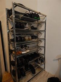 commercial scale shoe rack