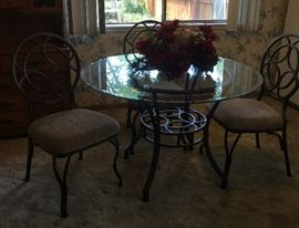 Dining set iron and glass top