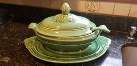 Vintage Tureen with Platter & Ladle	   http://www.ctonlineauctions.com/detail.asp?id=718286