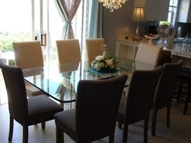beautiful thick glass diningroom table