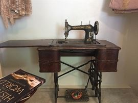 Vintage Mason Rotary treadle sewing machine, and it works!