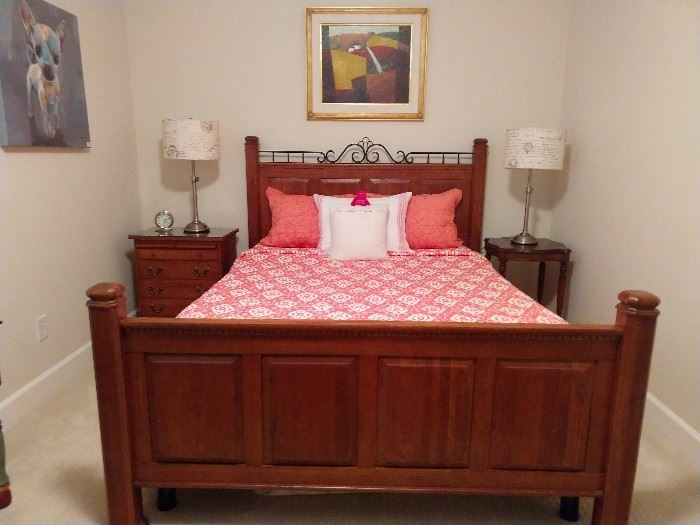 Cool queen size pine trundle bed, by Bob Timberlake.