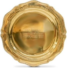 LOT #5076 - 1959 SANTA ANITA SWIRLING ABBEY TROPHY PLATE 14KT GOLD, 429 GRAMS