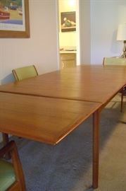 Here the table measures the full 84 inches with leaves attached.