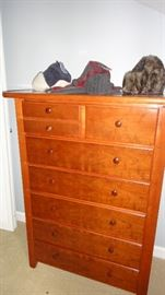 Thomasville Bedroom set, chest of drawers
