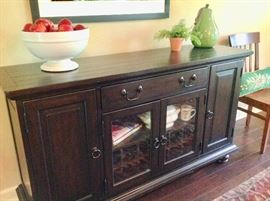 Beautiful Buffet from Pottery Barn in Excellent Condition.