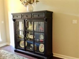 Gorgeous Entry Way Cabinet w/Sliding Glass Doors in Excellent Condition. This Cabinet is about 6 ft Tall