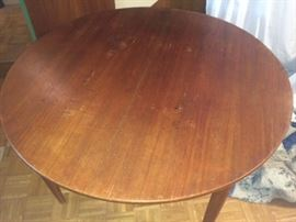 Farstrup dining room table