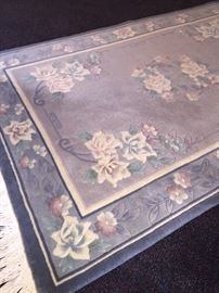 100 % wool hand made area rug 3 x 5 - Chinese styling