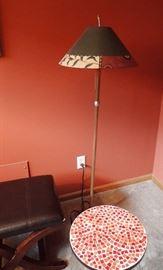FLOOR LAMP WITH DESIGNER SHADE