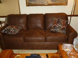 Beautiful sofa,  brand new..Flexsteel