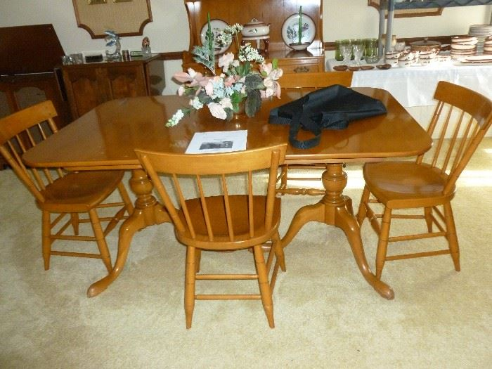Maple table & chairs by Willets