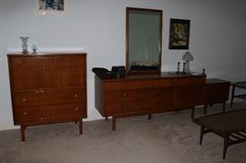 Vintage Mid Century Modern MCM Dixie Dresser High Chest & Night Stand