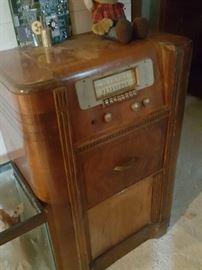 Silvertone radio - needs TLC