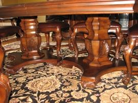 Plunkett Dining table with 2 leaves and 6 chairs.  At full size, seats 10 comfortably.   Double pedestal table.
