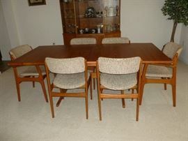 Danish Modern Dining Room Table w/6 Chairs (Domus Danica)