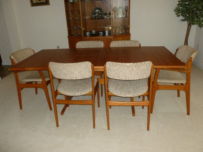 Danish Modern Dining Room Table w/6 Chairs (Domus Danica)