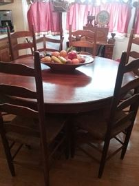 Round  Oak Table w/ six Chairs