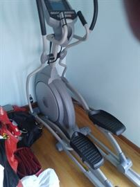 Spirit XE 350 elliptical machine
