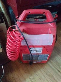 Husky Air compressor 1.5 gallon 135 max PSI