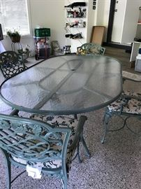 WOODWARD Cast Iron Glass-Top Table & 4 Chairs.   Excellent Condition