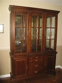 Bassett China Cabinet & DR table & Chairs,