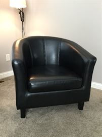 Small accent chair (black vinyl)