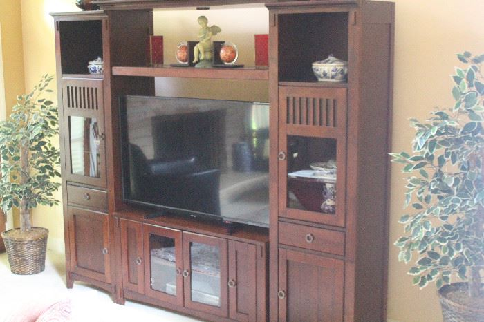 American Signature Entertainment Center 91x50x80