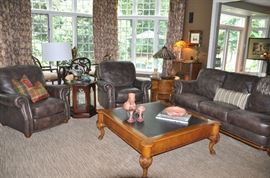Wonderfully furnished family room!!!