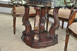 Fantastic carved wooden base!!