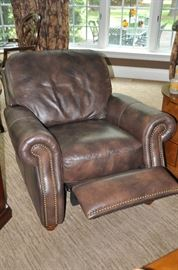 Gorgeous and comfy recliner!