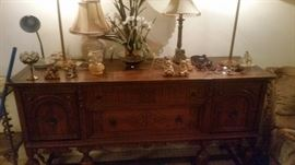 BEAUTIFUL ANTIQUE BUFFET.PLUS LAMPS