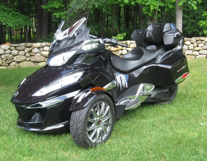 2014 CAN-AM Spyder RT Limited only 1900 miles selling for $19,610.00
