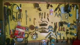 LOADS OF HAND-TOOLS
