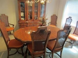 Beautiful oak dining set with EIGHT chairs