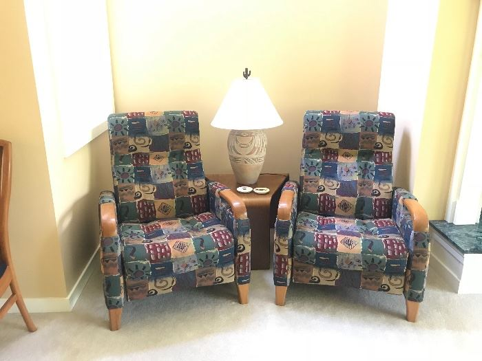 Pair of upholstered Recliners