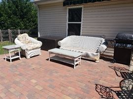 4piece wicker set with cushions