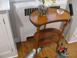 kidney shaped small table